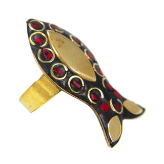 Red Stone Antique Fashion Ring On Gold Tone, adjustable
