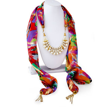 Sukkhi Eye-Catchy Chiffon Detachable Scarf Necklace With Chain For Women
